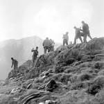 Cima di Medeglia - soldati che costruiscono un sentiero (CH-AFS#E27#1000/721#14095#3171)